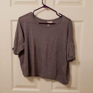 Gray short sleeved shirt